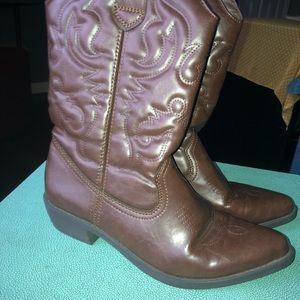 Rampage Cowboy boots Size: 8 brown
